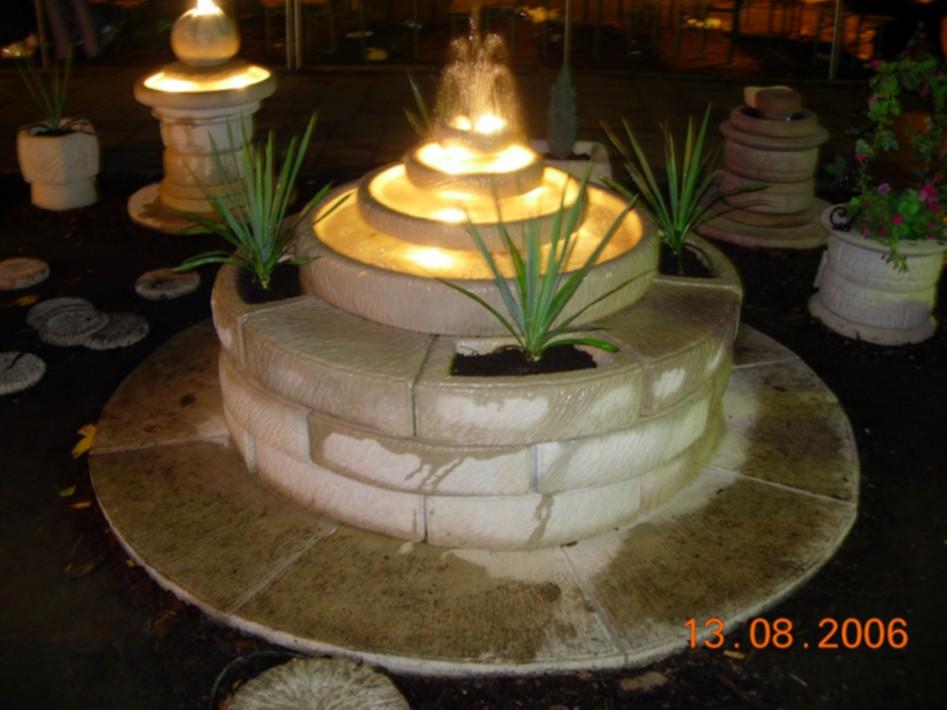 3w1 Extra Fontanna Ogrodowa Z Kwietnikami I Oświetleniem Do
